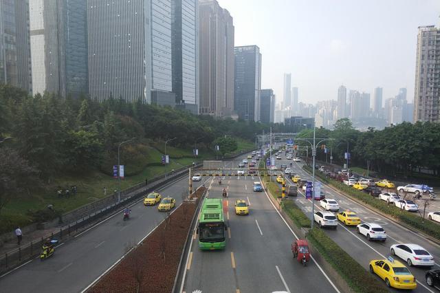 重庆公交优先道通行政策有哪些变化?交巡警答疑