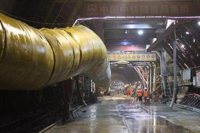 郑万高铁重庆段进展:亚洲最长单洞双线高铁隧道进洞口打通