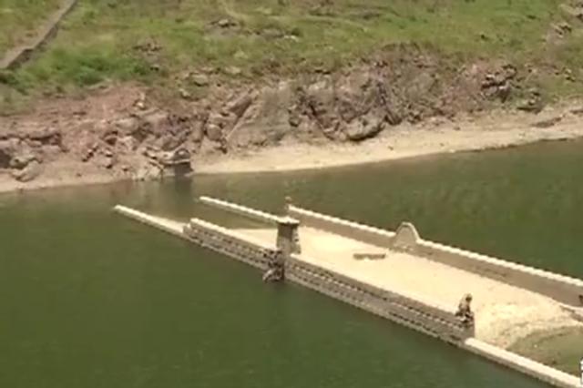你见过吗?重庆这座百年老桥隐没水下 1年只露1次面