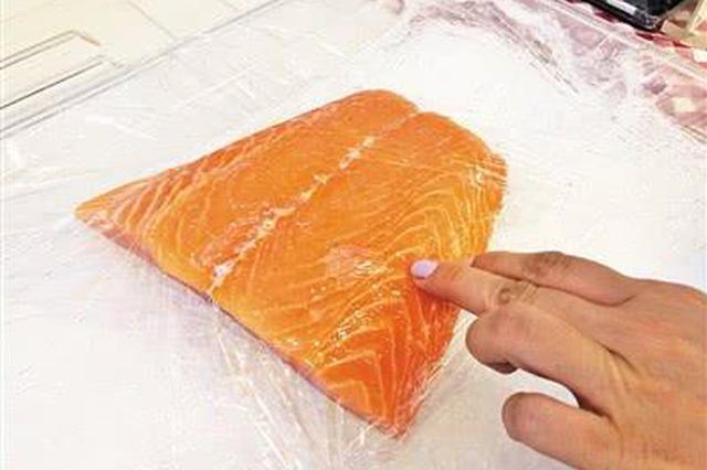 三文鱼销售大受影响 食客表示会谨慎食用