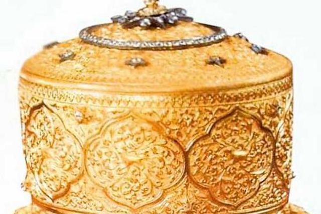 窃贼偷走近5千万黄金镶钻饭盒 居然用它吃了顿饭