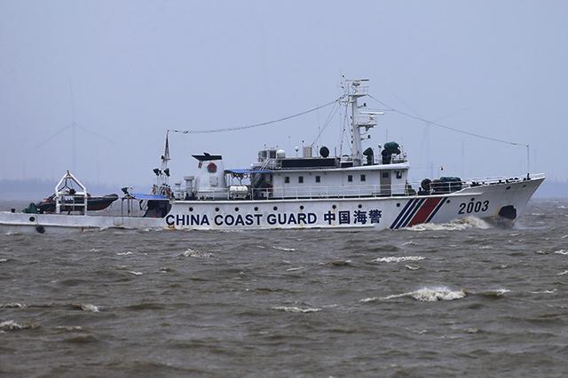长江万州段一采砂船发生翻沉 无人员伤亡