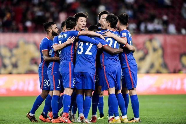 重庆斯威客场3-0击败天津权健 取得关键胜利