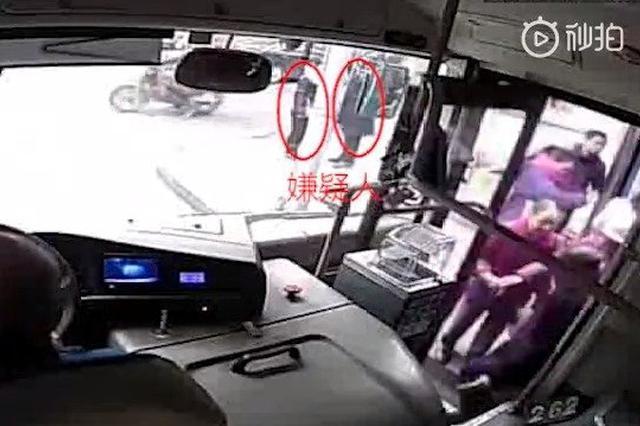 重庆一对夫妻搭档偷手机 警方不到24小时将他们抓获