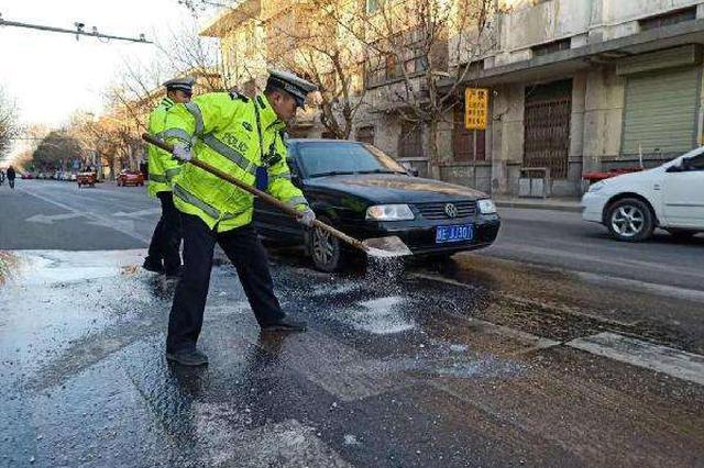 重庆持续雨雪天气最低温-2℃ 多个路段有道路结冰