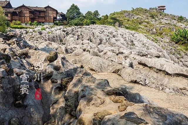 重庆忠县水域捞获数十块清代金属砖块