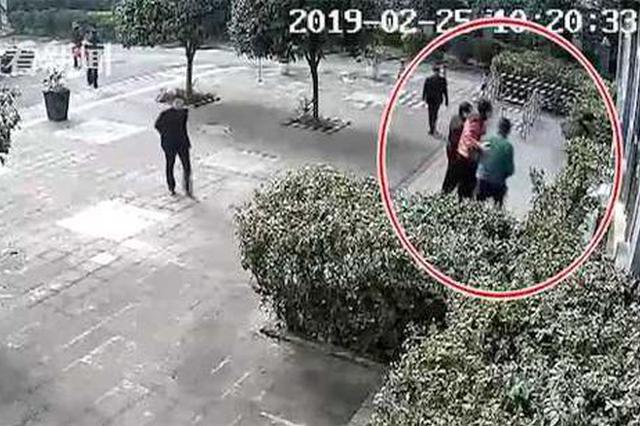 重庆:处理违章遇系统故障 男子10分钟后被戴上手铐
