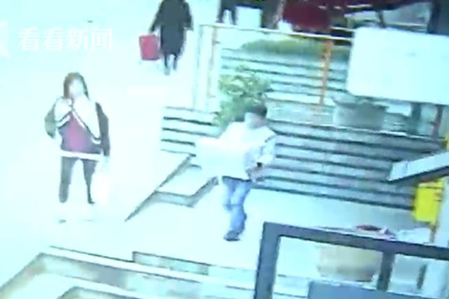 重庆一年轻小伙贪吃想打牙祭 偷走餐馆300元猪肉