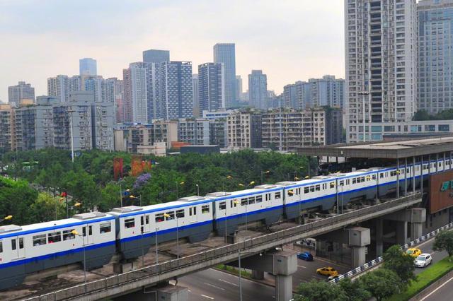 重庆3号线新增8编列车上线 有效提升线路运输能力
