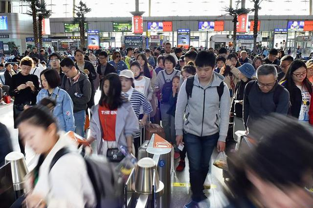 重庆直达香港高铁7月10日开行 全程7个半小时