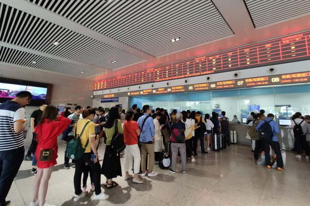 宜宾6.0级地震 重庆火车站启动应急预案确保运输秩序