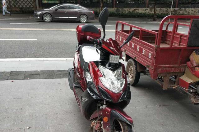 男子酒后驾驶摩托车涉嫌4项严重违法 一次被记37分
