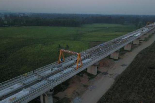 郑万高铁重庆段工程有序推进 已完成总投资一半