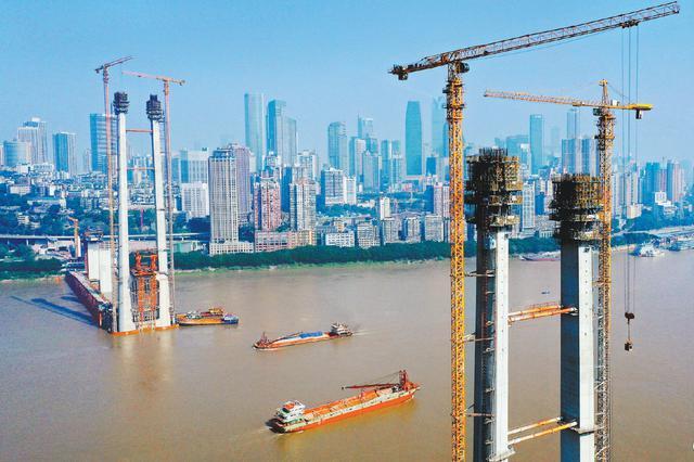 好消息!南纪门长江轨道专用桥 桥塔施工年内将封顶