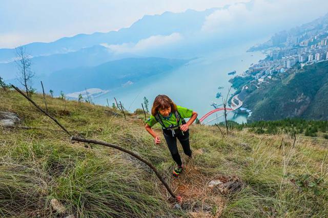 长江三峡国际越野赛开战 3000选手巫峡角逐