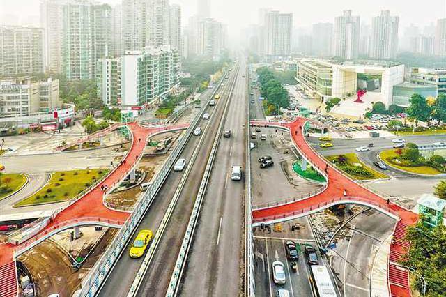 新南立交及人行天桥投用 星光大道车辆通行力明显提高