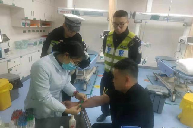 重庆一男子醉酒后接单代驾被查 面临失业和刑拘处罚