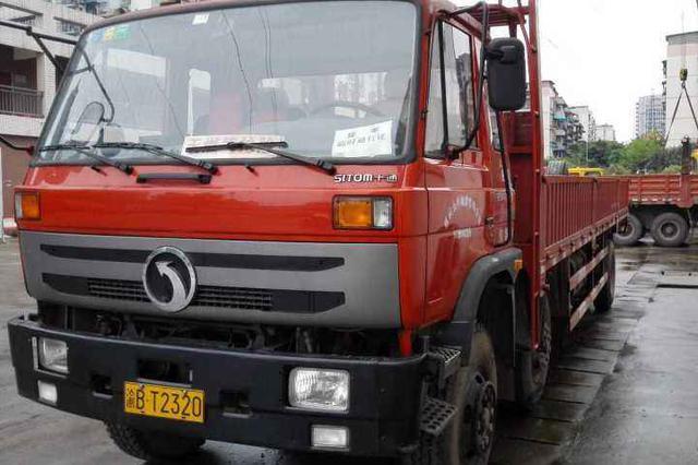 交巡警推12项便民惠企举措 主城货车通行证自动延期