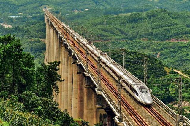渝湘高铁重庆至黔江(武隆段)开建 武隆40分钟可到主城
