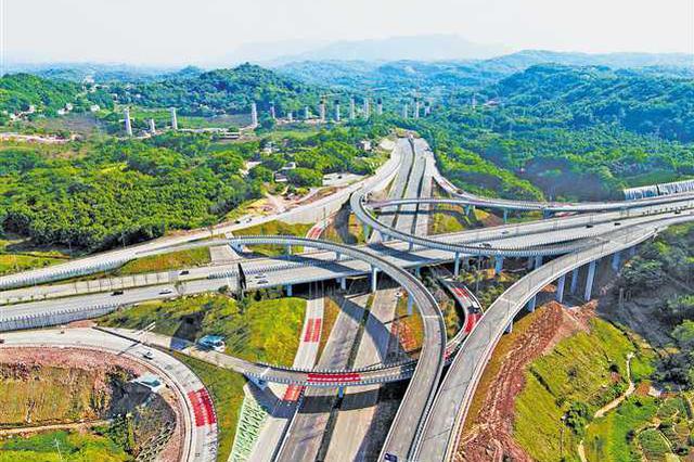 重庆南岸区茶园大道全幅通车 进入试运行阶段