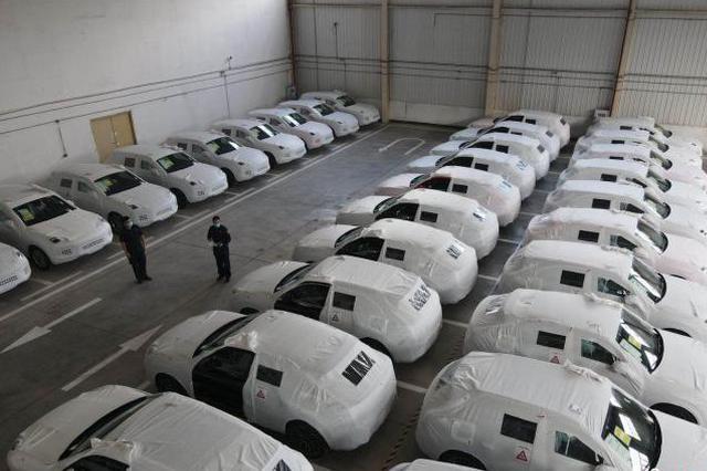 首批进口保税大贸整车运抵重庆 有保时捷911和卡宴