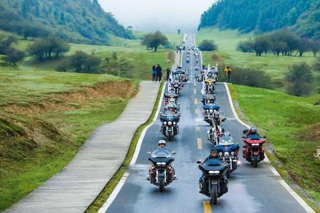 重庆首个哈雷机车世界骑行基地落户武隆仙女山