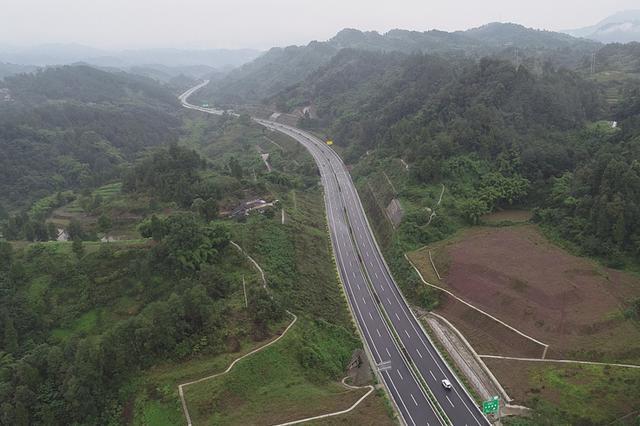 重庆又一条新建高速通车 南川到两江新区仅需50分钟