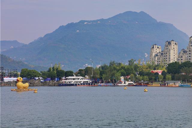 重庆开州汉丰湖呈现平湖美景 水上运动激起体旅活力