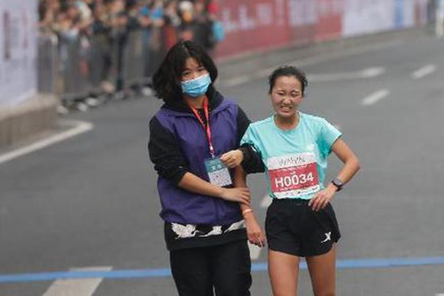重庆女子半马冠军是大一学生 称参赛选手全都是美