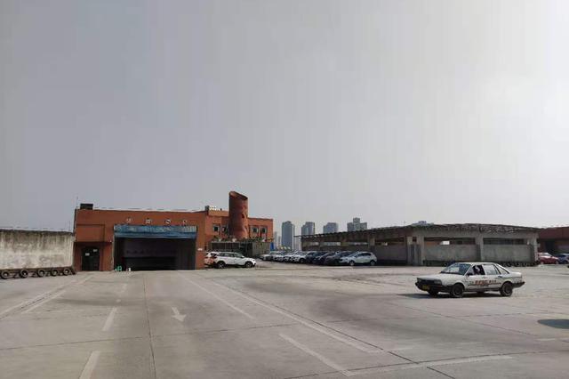 重庆驾校在7楼楼顶练车引争议 相关部门已约谈驾校负责人