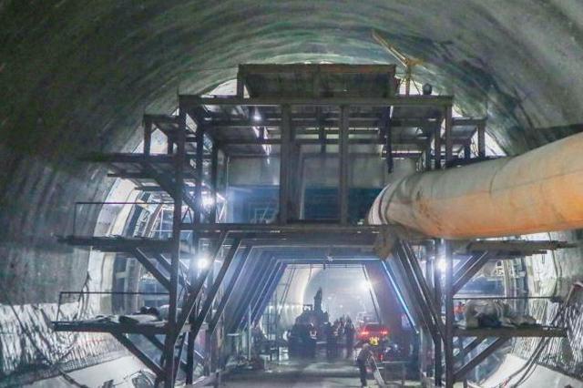 好消息!郑万高铁重庆段奉节隧道贯通 全长13.5公里