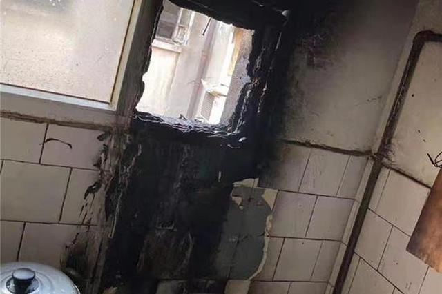 """9楼厨房着火浓烟惊动邻居 住户却在卧室""""眯瞌睡"""""""