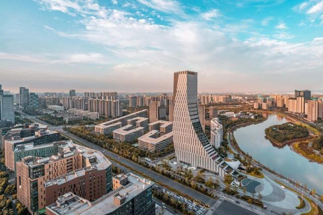 川渝将携手建设富有巴蜀特色的国际消费目的地