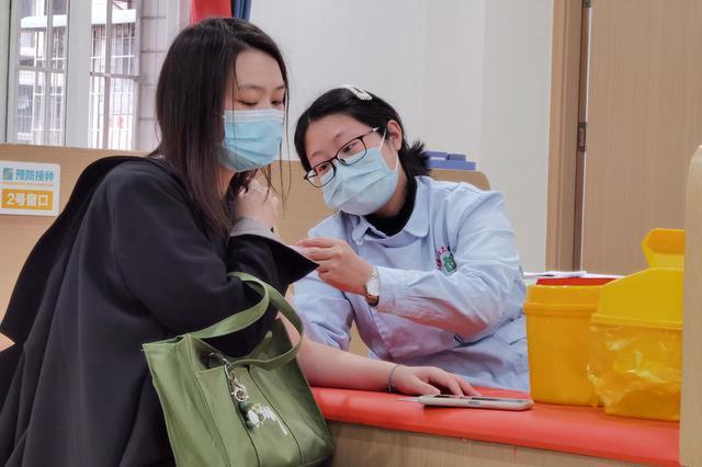 新冠病毒疫苗到底要不要打?聽聽疾控中心專家怎么說