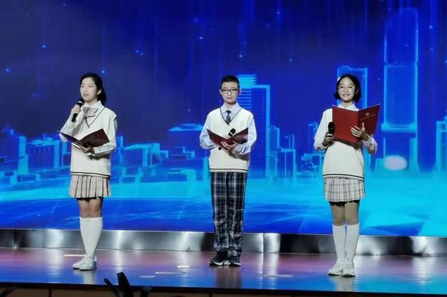 4月19日,全市首届重庆青少年科幻征文大赛正式启动。