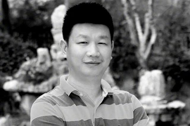 """教育部追授王红旭""""全国优秀教师""""荣誉称号"""