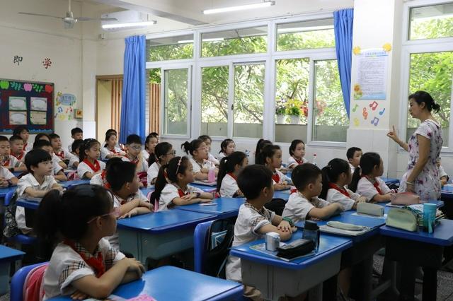 优质学校教师流动到薄弱学校 重庆推动中小学教师校长轮岗
