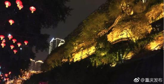 高差60米步道十八弯!洪崖洞边上藏着个超魔幻公园
