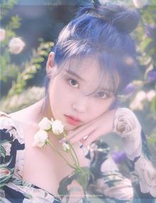 IU新专辑回归预告 染蓝发清纯灵动又仙又美