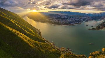 高清航拍三峡之光 领略山水交融之景