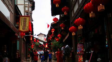 大红灯笼装扮lovebet app老街 节日氛围浓厚