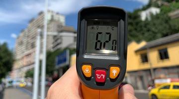 地表超60℃ 李子坝轨道站游客热情打卡