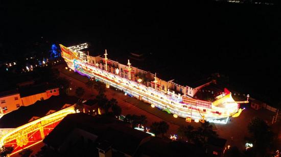 全世界同类产品中罕见的30米的海盗船灯组