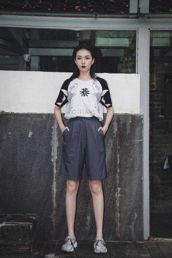 以綦江美食北渡鱼为主题的服装设计