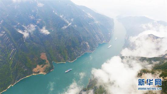 云雾缭绕的长江瞿塘峡 雄奇险峻景色秀美(图)