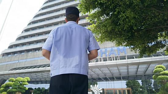 战高温!渝北区交巡警为智博会护航