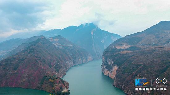 航拍三峡175水位新景观 朝辞白帝云水间