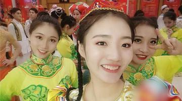 19岁重庆妹连续两年登上央视春晚