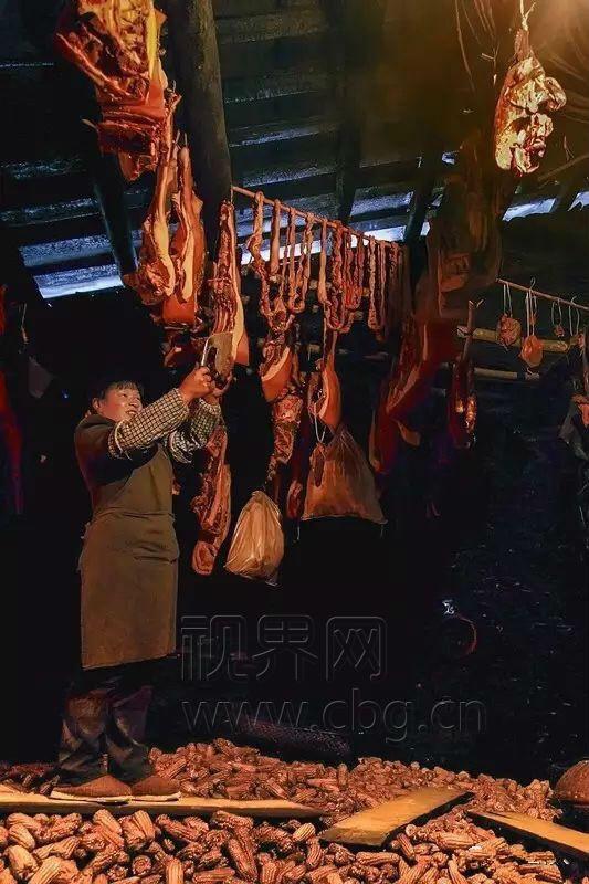 城口:又到熏制腊肉时节 看完口水流一地!