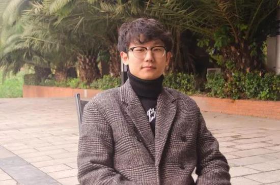 重庆大学汽车学院14级车辆工程专业学生 李清坤